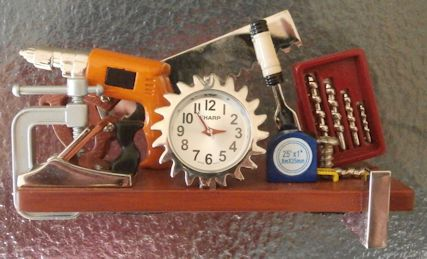 Sharp Miniature Desk Clock - Planer /Tools Construction